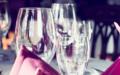 Správné mytí sklenic a křišťálových váz pro zářivý lesk