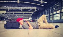 Čas strávený na letišti Vám sice nikdo nevrátí, můžete však získat slušnou kompenzaci