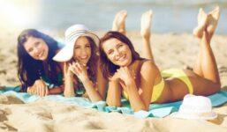 Jak se na dovolené zdravě opálit a předejít spálení kůže? Hlavně s mírou…