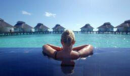 Líbánky na Maledivách: Zbytečný luxus nebo třešnička na dortu celé svatby?
