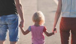 Rozcházíte se s partnerem, se kterým máte dítě? Věnujte značnou pozornost úpravě styku s dítětem