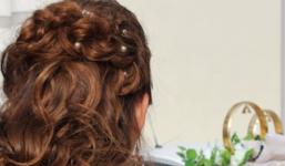 Nejlepší způsoby, jak se zbavit mastných vlasů