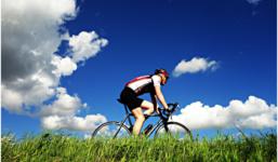 Leták Lidl vás vybaví na podzimní vyjížďky na kole. Jak se obléci správně?