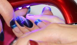 Jak opravit poškozené nehty?