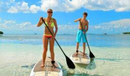 Společná jízda na wakeboardu
