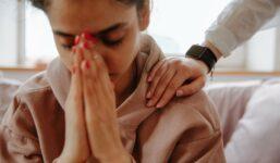 Máte potíže s úzkostmi? Jaké jsou příznaky a jak se s úzkostí vypořádat?